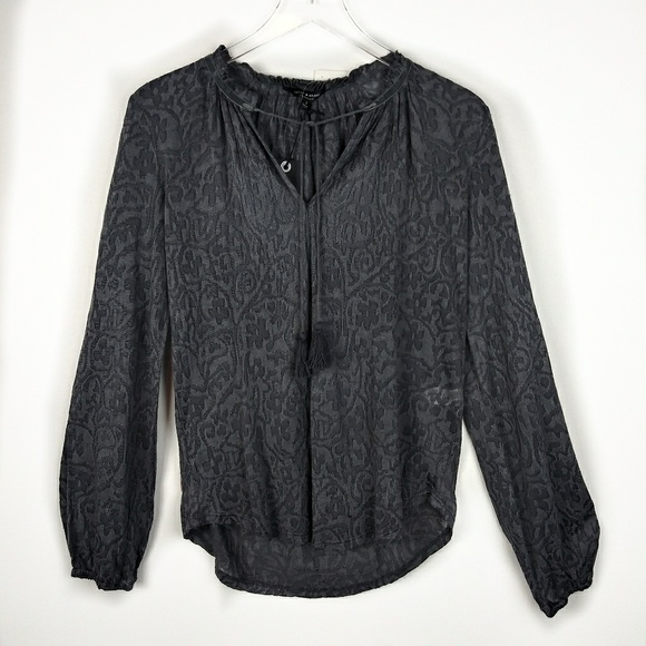 Lucky Brand Tops - Lucky Brand charcoal gray jacquard lightweight top